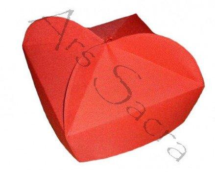 Czerwony biret trójrożny B-7